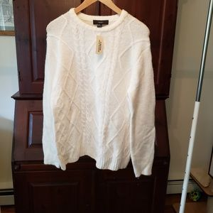 NWT crewneck cable knit look sweater